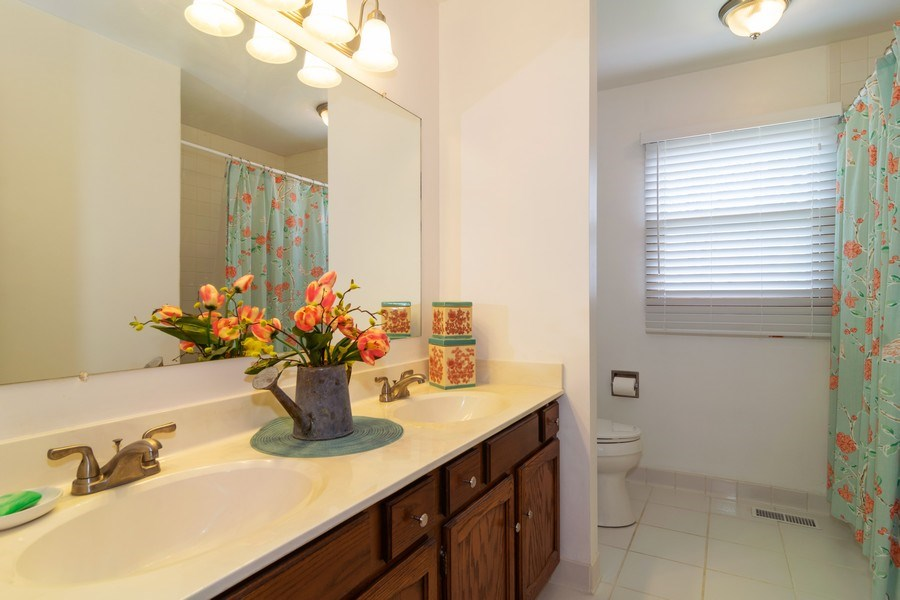 Real Estate Photography - 419 W. Whitehall Dr, Arlington Heights, IL, 60004 - Bathroom