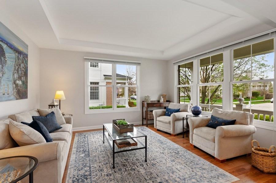 Real Estate Photography - 1680 Primrose lane, Glenview, IL, 60026 - Living Room