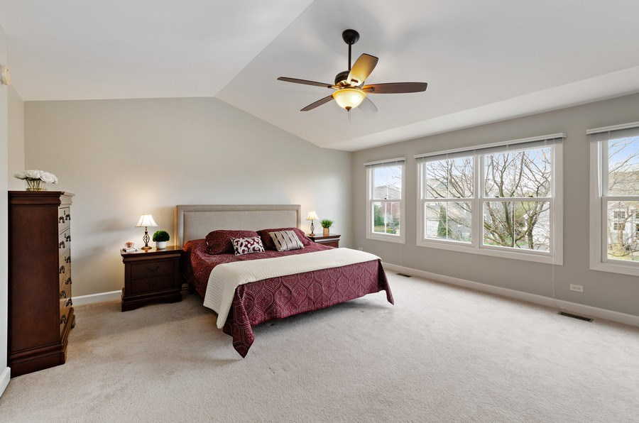 Real Estate Photography - 1680 Primrose lane, Glenview, IL, 60026 - Master Bedroom