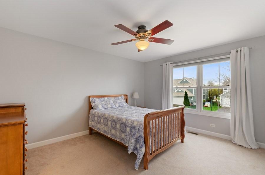 Real Estate Photography - 1680 Primrose lane, Glenview, IL, 60026 - 2nd Bedroom