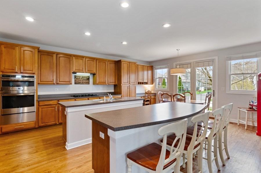 Real Estate Photography - 1680 Primrose lane, Glenview, IL, 60026 - Kitchen