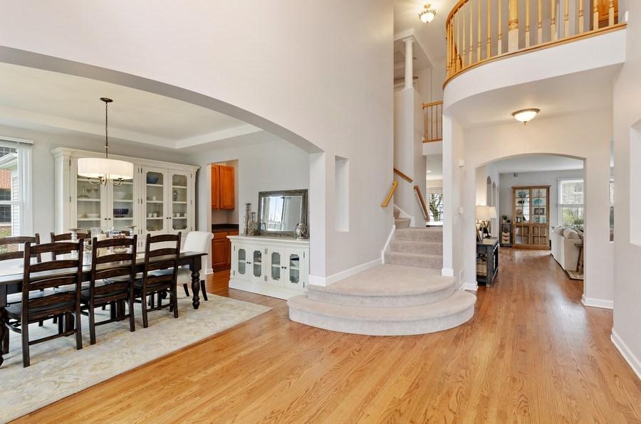 Real Estate Photography - 1680 Primrose lane, Glenview, IL, 60026 - Foyer