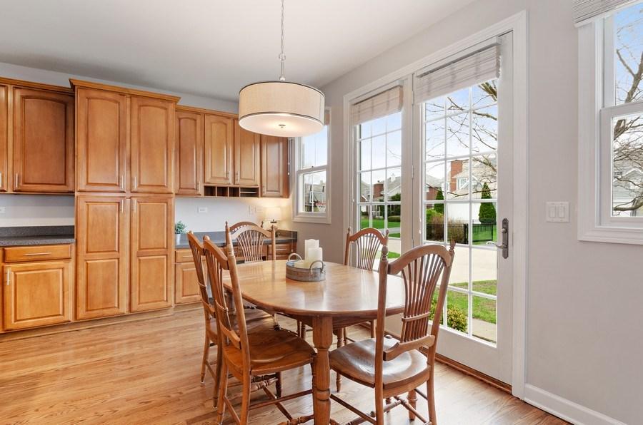 Real Estate Photography - 1680 Primrose lane, Glenview, IL, 60026 - Breakfast Area