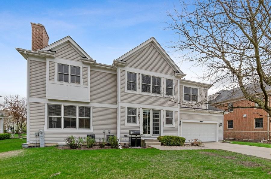 Real Estate Photography - 1680 Primrose lane, Glenview, IL, 60026 - Rear View