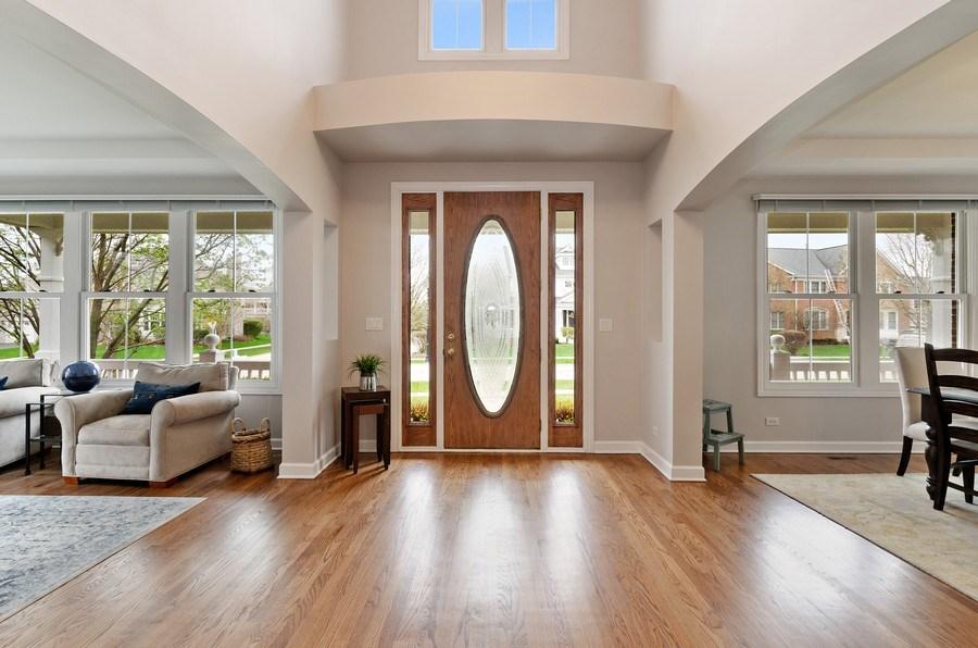 Real Estate Photography - 1680 Primrose lane, Glenview, IL, 60026 - Entryway