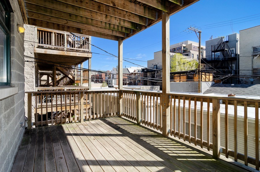 Real Estate Photography - 1339 N Mohawk #1N, Chicago, IL, 60610 - Deck