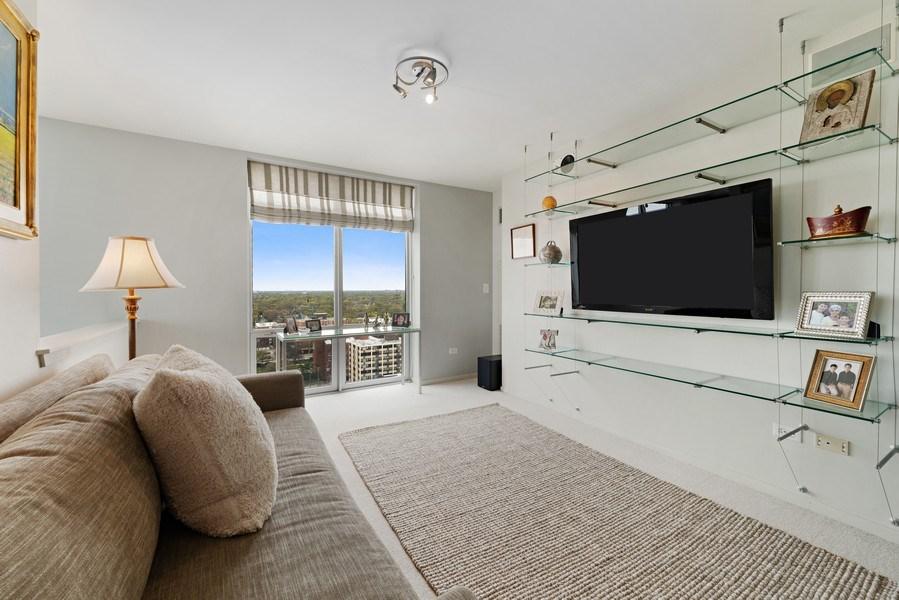 Real Estate Photography - 1640 Maple Avenue, Unit 1606, Evanston, IL, 60201 - 2nd Level Loft