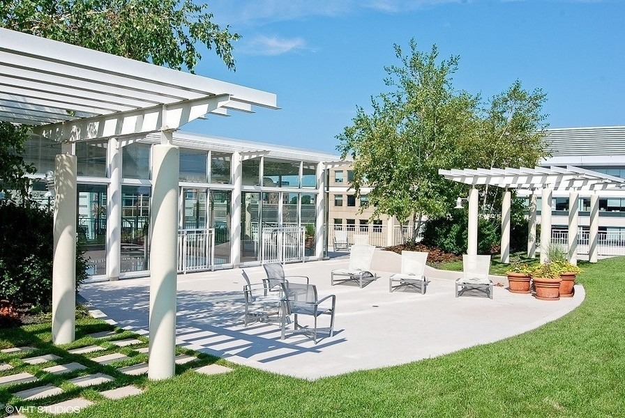 Real Estate Photography - 1640 Maple Avenue, Unit 1606, Evanston, IL, 60201 - Professionally landscaped Terrace