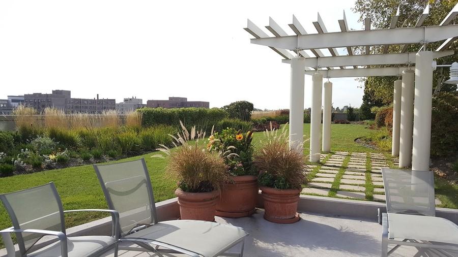 Real Estate Photography - 1640 Maple Avenue, Unit 1606, Evanston, IL, 60201 - Landscaped Terrace and Patio