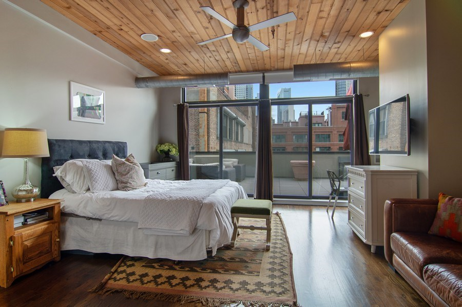 Real Estate Photography - 375 W. Erie St., 610, Chicago, IL, 60654 - 2nd Bedroom