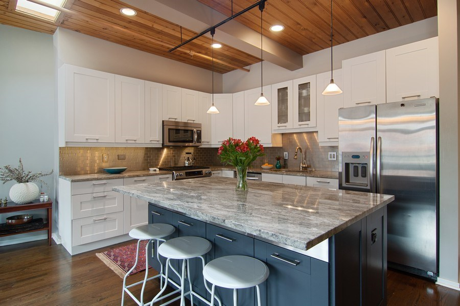 Real Estate Photography - 375 W. Erie St., 610, Chicago, IL, 60654 - Kitchen