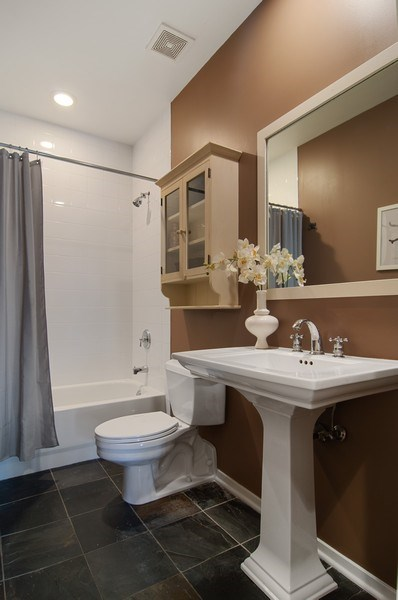 Real Estate Photography - 375 W. Erie St., 610, Chicago, IL, 60654 - Bathroom