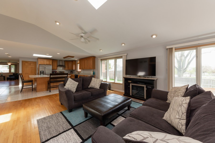 Real Estate Photography - 748 Warren, Palatine, IL, 60067 - Family Room / Kitchen