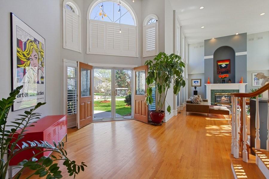 Real Estate Photography - 128 Washington, Park Ridge, IL, 60068 - Entryway