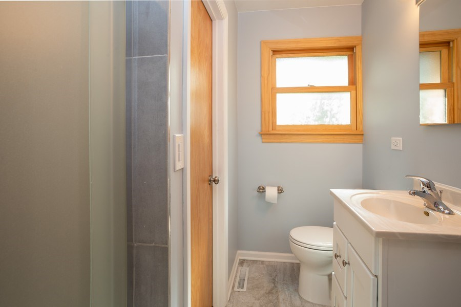 Real Estate Photography - 1318 W Grove St, Arlington Heights, IL, 60005 - Master Bathroom