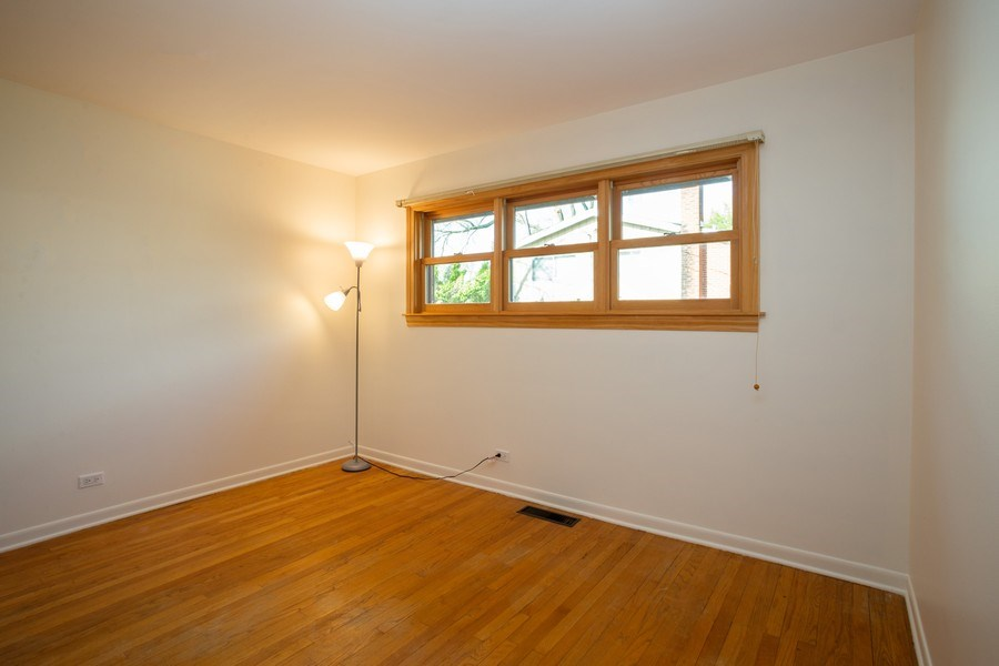Real Estate Photography - 1318 W Grove St, Arlington Heights, IL, 60005 - Bedroom