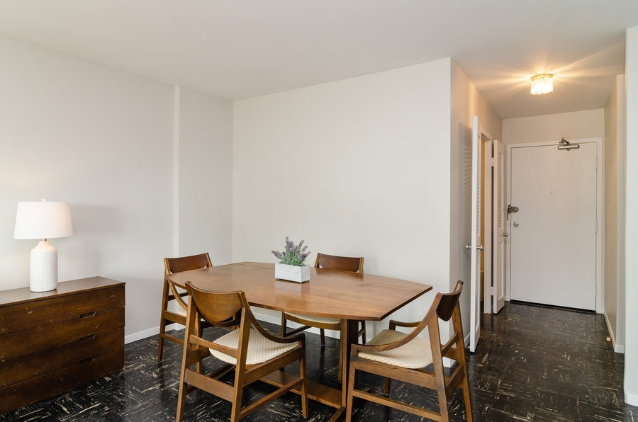 Real Estate Photography - 3100 N Lake Shore Dr, 902, Chicago, IL, 60657 - Dining Room
