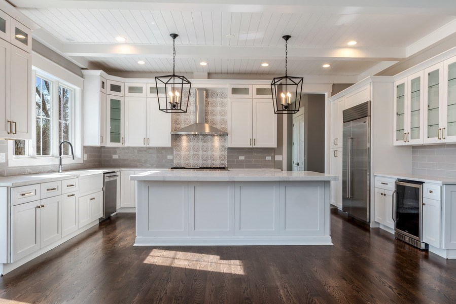 Real Estate Photography - 1110 Manor Dr, Wilmette, IL, 60091 - Kitchen
