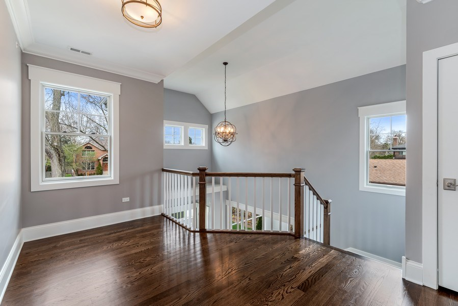 Real Estate Photography - 1110 Manor Dr, Wilmette, IL, 60091 - Hallway