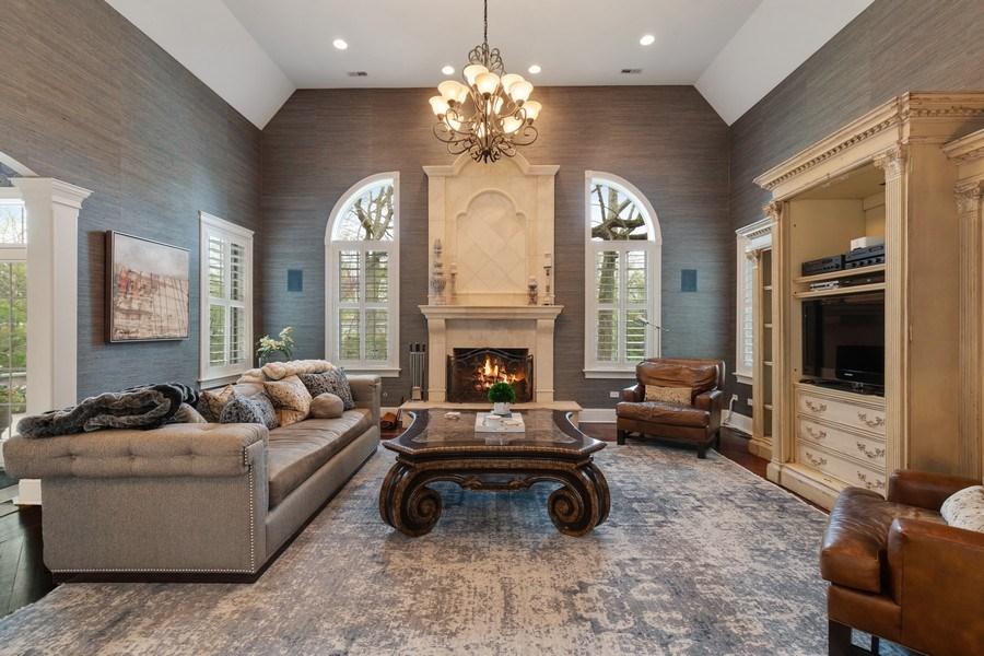 Real Estate Photography - 323 Thackeray, Northfield, IL, 60093 - Family Room
