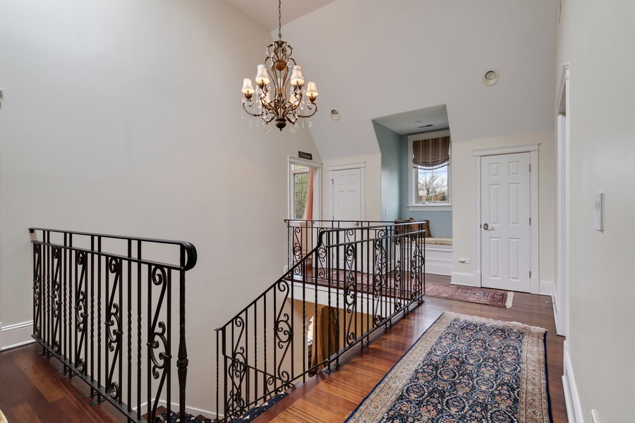 Real Estate Photography - 323 Thackeray, Northfield, IL, 60093 - Hallway