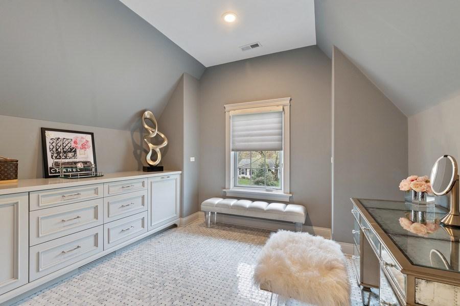 Real Estate Photography - 323 Thackeray, Northfield, IL, 60093 - Dressing Area
