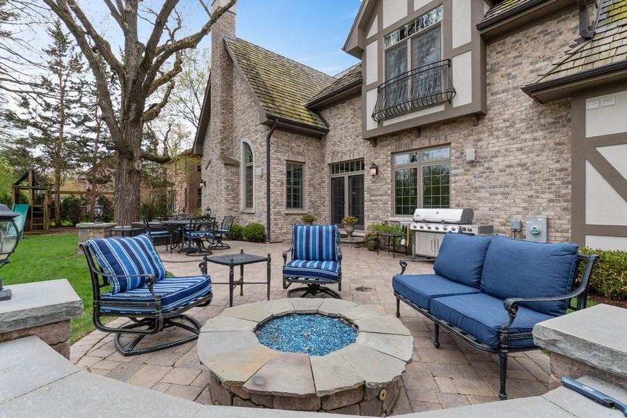 Real Estate Photography - 323 Thackeray, Northfield, IL, 60093 - Patio