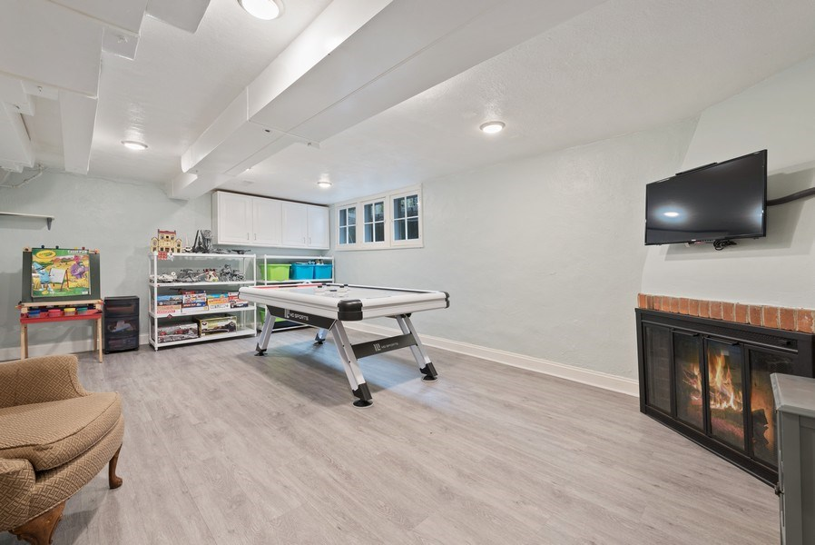 Real Estate Photography - 1156 Cherry, Winnetka, IL, 60093 - Play / Recreational Room