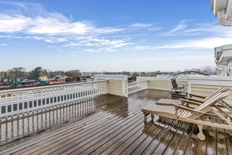Real Estate Photography - 107 N Thompson St, New Buffalo, MI, 49117 - Roof Deck