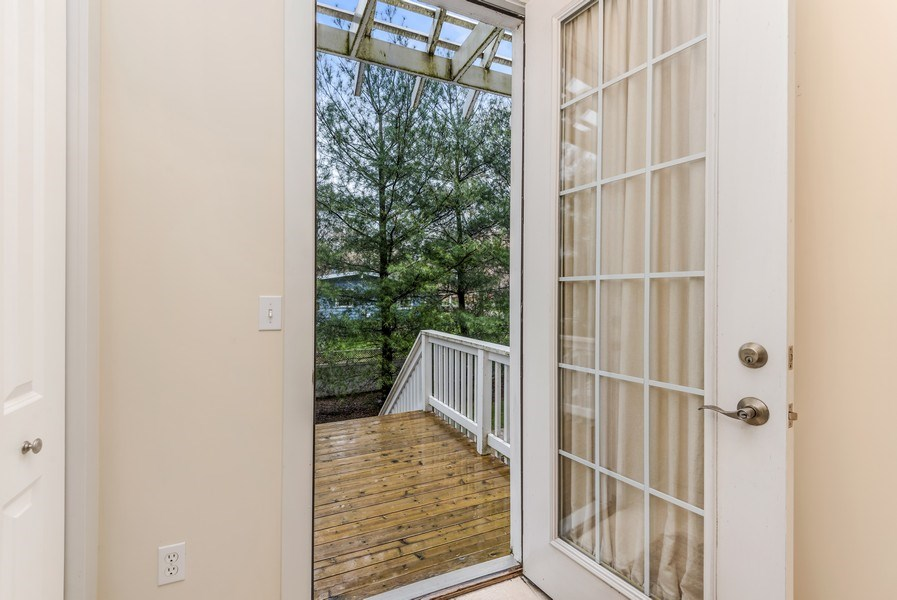 Real Estate Photography - 107 N Thompson St, New Buffalo, MI, 49117 - Entryway