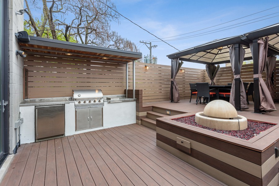 Real Estate Photography - 1627 N Wolcott, Chicago, IL, 60622 - Deck