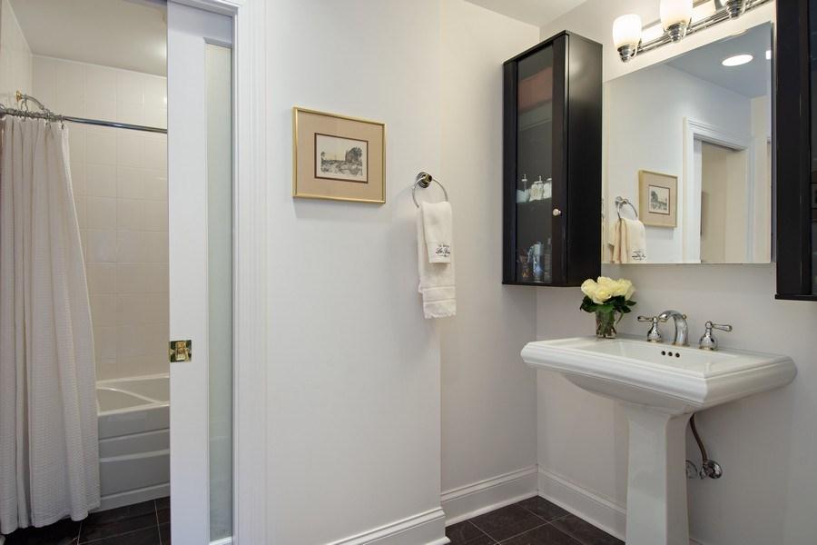 Real Estate Photography - 306 Ridge Road, Barrington Hills, IL, 60010 - Hallway Bathroom