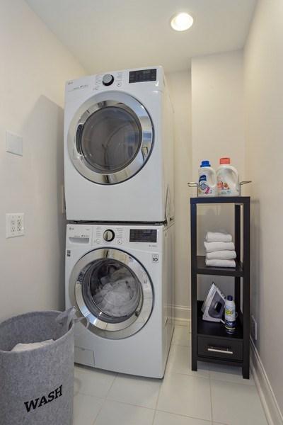 Real Estate Photography - 306 Ridge Road, Barrington Hills, IL, 60010 - Laundry Room