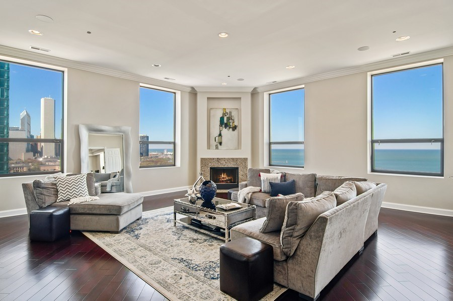 Real Estate Photography - 910 S Michigan, #1903, Chicago, IL, 60605 - Living Room
