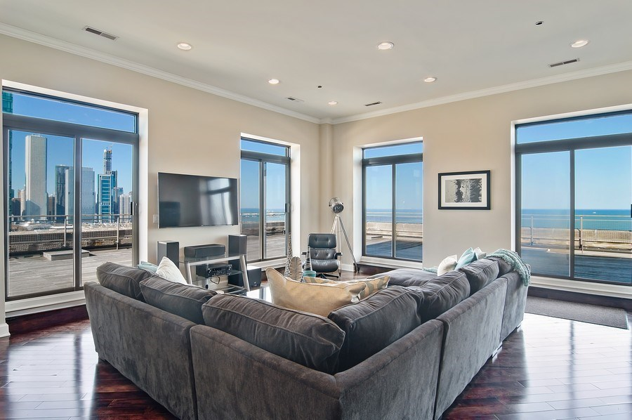 Real Estate Photography - 910 S Michigan, #1903, Chicago, IL, 60605 - Family Room