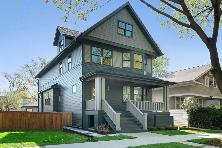 Real Estate Photography - 1114 South Scoville Avenue, Oak Park, IL, 60304 - Side View