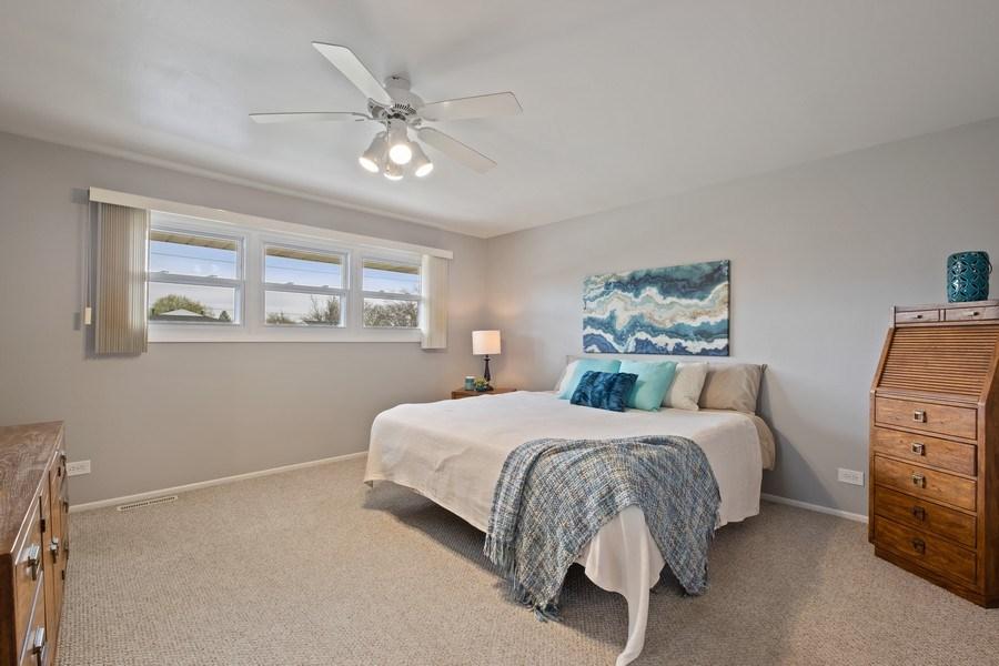 Real Estate Photography - 1721 E Seminole Ln, Mount Prospect, IL, 60056 - Master Bedroom