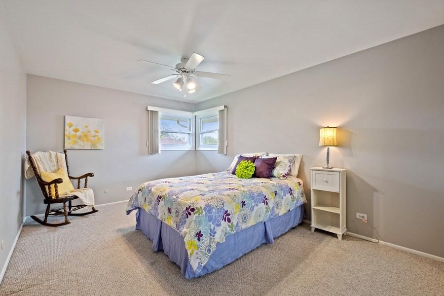 Real Estate Photography - 1721 E Seminole Ln, Mount Prospect, IL, 60056 - 2nd Bedroom