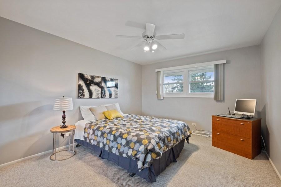 Real Estate Photography - 1721 E Seminole Ln, Mount Prospect, IL, 60056 - 3rd Bedroom