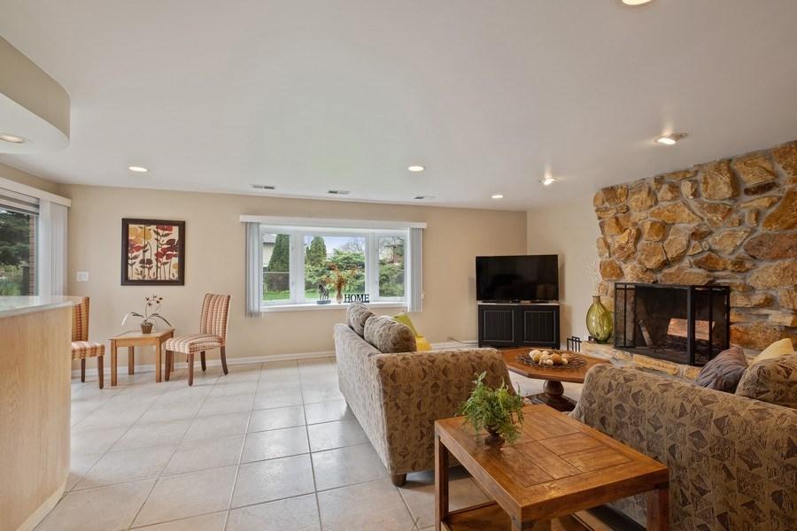 Real Estate Photography - 1721 E Seminole Ln, Mount Prospect, IL, 60056 - Family Room