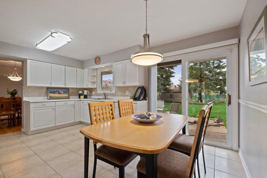 Real Estate Photography - 1721 E Seminole Ln, Mount Prospect, IL, 60056 - Breakfast Area