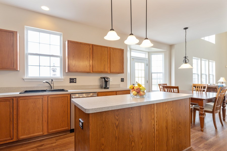 Real Estate Photography - 1655 Forest View Way, Antioch, IL, 60002 - Kitchen / Breakfast Room