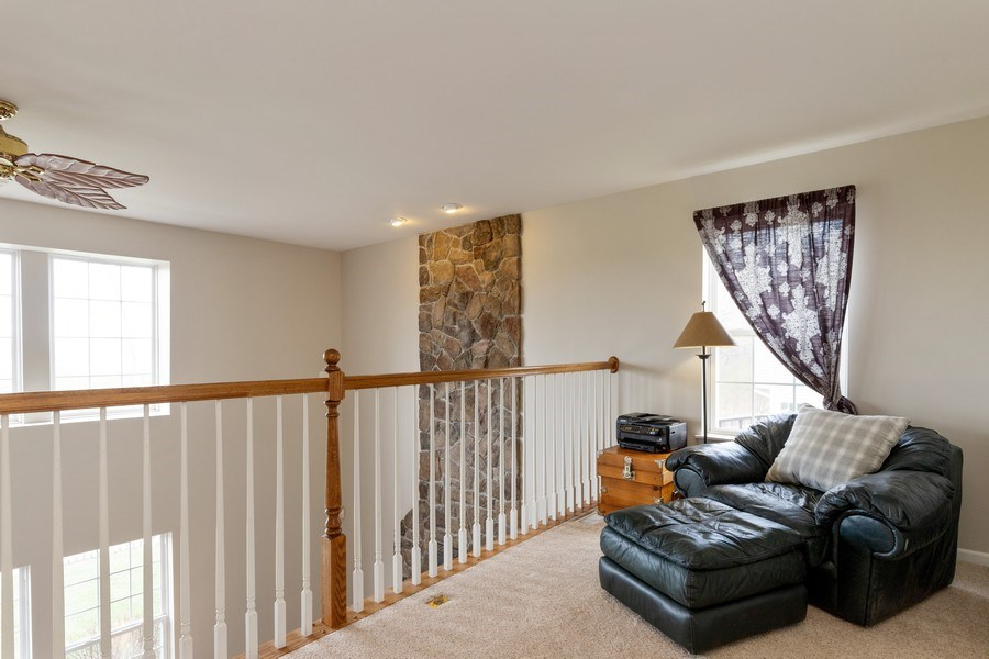 Real Estate Photography - 1655 Forest View Way, Antioch, IL, 60002 - Loft