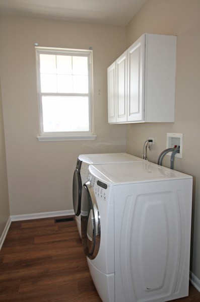 Real Estate Photography - 1655 Forest View Way, Antioch, IL, 60002 - Laundry Room