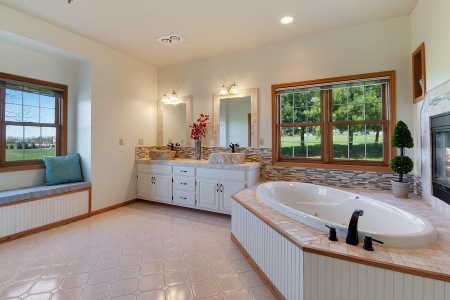 Real Estate Photography - W1186 Trieste Dr, Lake Geneva, WI, 53147 - Master Bathroom
