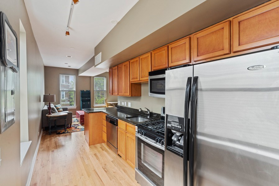 Real Estate Photography - 1347 N. Greenview, #3F, Chicago, IL, 60642 - Kitchen
