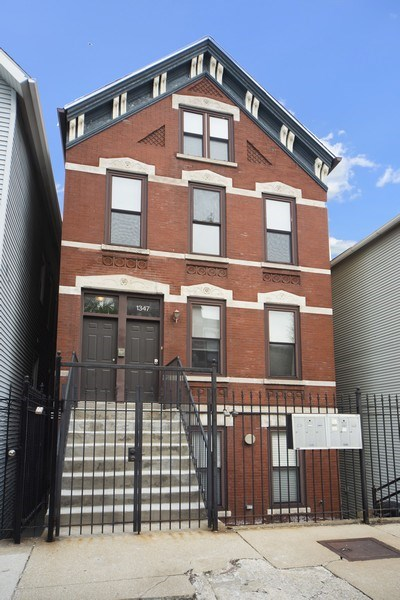 Real Estate Photography - 1347 N. Greenview, #3F, Chicago, IL, 60642 - Front View