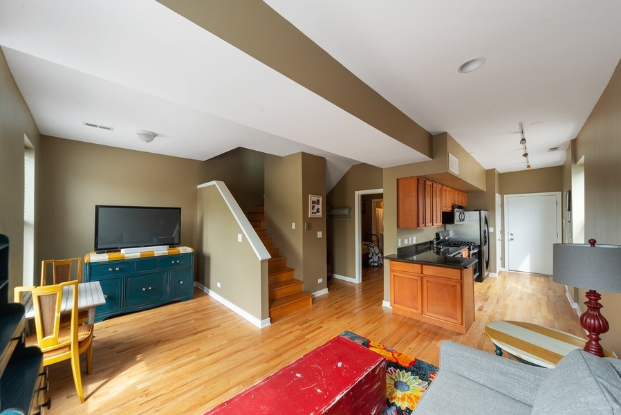 Real Estate Photography - 1347 N. Greenview, #3F, Chicago, IL, 60642 - Kitchen / Living Room