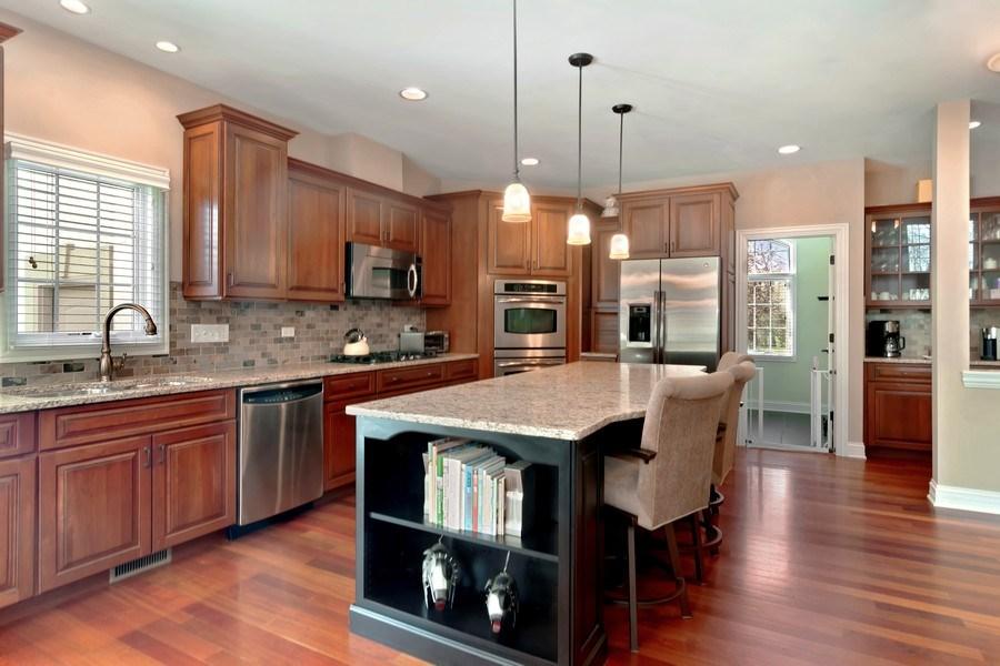 Real Estate Photography - 6 Scarlet Oak, Hawthorn Woods, IL, 60047 - Kitchen