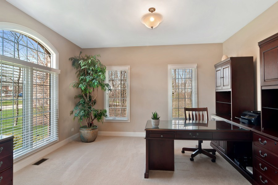 Real Estate Photography - 6 Scarlet Oak, Hawthorn Woods, IL, 60047 - Study